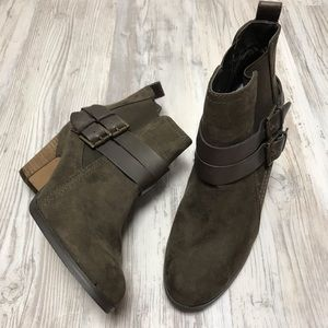 Crown Vintage Suede and Leather Ankle Boots 9.5 M